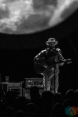 Ray LaMontagne performing at the Comerica Theatre in Phoenix, Arizona on September 14, 2016. (Photo: Tony Contini/Aesthetic Magazine)