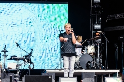 Robert Delong performs at the Meadows Music Festival at Citi Field in Queens, New York on October 2, 2016. (Photo: Saidy Lopez/Aesthetic Magazine)
