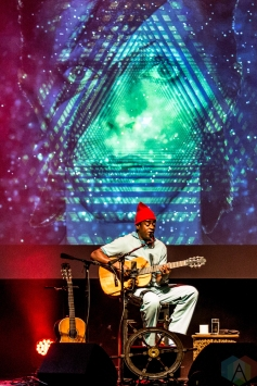 Seu Jorge performs at Thalia Hall in Chicago on November 17, 2016. (Photo: Brigid Gallagher/Aesthetic Magazine)