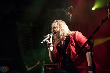 Shiraz Lane performs at the O2 Academy Islington in London, UK on November 20, 2016. (Photo: Rossi Ivanova/Aesthetic Magazine)