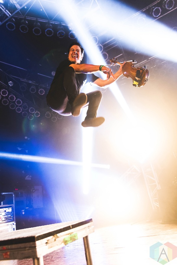 Yellowcard performs at the House of Blues in Chicago on November 3, 2016. (Photo: Katie Kuropas/Aesthetic Magazine)