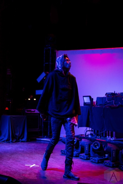 Zelooperz performs at the Town Ballroom in Buffalo, New York on November 3, 2016. (Photo: Josh Ladouceur/Aesthetic Magazine)