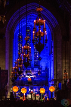 Andrew Bird performs at the Fourth Presbyterian Church in Chicago on December 14, 2016. (Photo: Brigid Gallagher/Aesthetic Magazine)