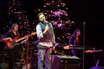Bahamas performs at the 2016 Andy Kim Christmas Concert at the Queen Elizabeth Theatre in Toronto on December 7, 2016. (Photo: Brendan Albert/Aesthetic Magazine)