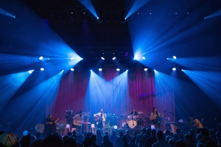The Head and the Heart performs at Massey Hall in Toronto on November 30, 2016. (Photo: Morgan Hotston/Aesthetic Magazine)