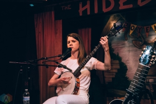 Lady Lamb performs at the Hideout in Chicago on January 25, 2017. (Photo: Callie Craig/Aesthetic Magazine)
