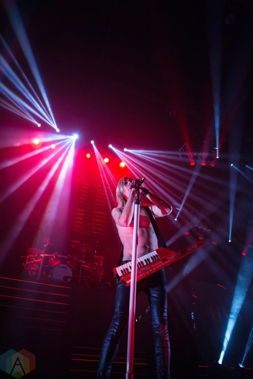 Marianas Trench performs at the Save On Foods Memorial Centre in Victoria, B.C on February 12, 2017. (Photo: Tyson Elder/Aesthetic Magazine)