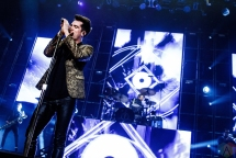 Panic at the Disco performs at the Mohegan Sun Arena in Uncasville, CT on February 24, 2017. (Photo: Timothy Boyer/Aesthetic Magazine)