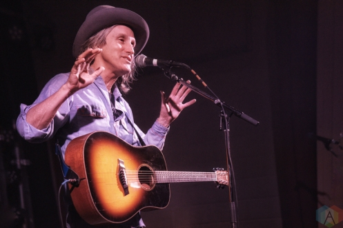 Steve Poltz performs at Hillside Inside in Guelph on February 10, 2017. (Photo: Dan Fischer/Aesthetic Magazine)