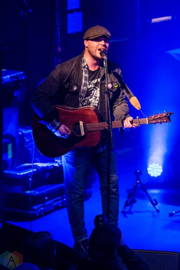 Chuck Coles performs at the Oshawa Music Hall in Oshawa, ON on March 18, 2017. (Photo: Tyler Roberts/Aesthetic Magazine)