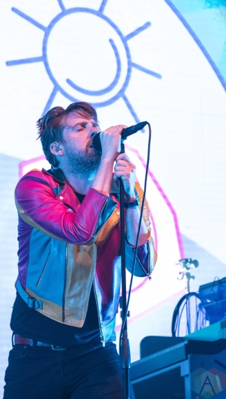 Kaiser Chiefs perform at the First Direct Arena in Leeds, UK on March 4, 2017. (Photo: Mark Ellis/Aesthetic Magazine)