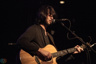 Noah Kahan performs at Lee's Palace in Toronto on March 18, 2017. (Photo: Shahnoor Ijaz/Aesthetic Magazine)