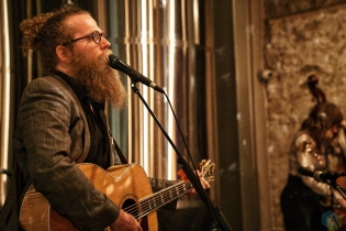 Ben Caplan and the Casual Smokers perform at the Elora Brewing Company in Elora, ON on March 31, 2017. (Photo: Dan Fischer/Aesthetic Magazine)