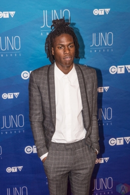 Daniel Caesar attends the 2017 JUNO Awards at the Canadian Tire Centre in Ottawa on April 2, 2017. (Photo: Brendan Albert/Aesthetic Magazine)