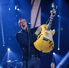 """Bryan Adams performs """"You Belong to Me"""" at the 2017 JUNO Awards at the Canadian Tire Centre in Ottawa on April 2, 2017. (Photo: CARAS)"""