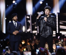 Shawn Mendes appears at the 2017 JUNO Awards at the Canadian Tire Centre in Ottawa on April 2, 2017. (Photo: CARAS)