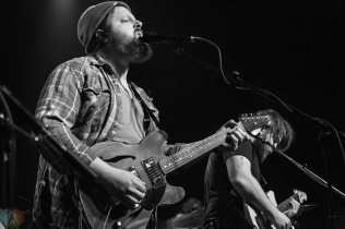 The Dear Hunter performs at the Showbox in Seattle on April 11, 2017. (Photo: Daniel Hager/Aesthetic Magazine)