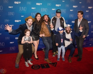 The Strumbellas attend the 2017 JUNO Awards at the Canadian Tire Centre in Ottawa on April 2, 2017. (Photo: Brendan Albert/Aesthetic Magazine)