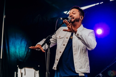 Alx Veliz performs at CBC Music Festival at Echo Beach in Toronto on May 27, 2017. (Photo: Nicole De Khors/Aesthetic Magazine)