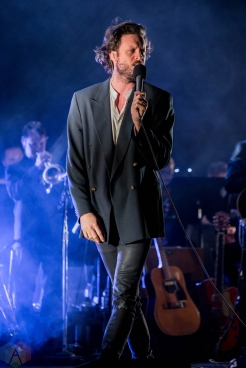 Father John Misty performs at the Royal Alexandra Theatre in Toronto on May 6, 2017. (Photo: Sarah McNeil/Aesthetic Magazine)