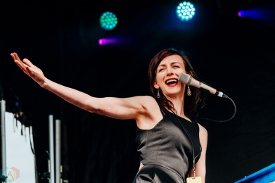 Sarah Slean performs at CBC Music Festival at Echo Beach in Toronto on May 27, 2017. (Photo: Nicole De Khors/Aesthetic Magazine)
