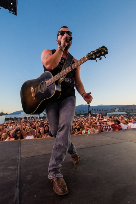 Tyler Farr performs at Stagecoach Festival at the Empire Polo Club in Indio, California on April 30, 2017. (Photo: Erik Voake)