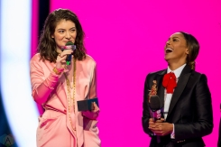 Lorde on stage at the 2017 iHeartRadio Much Music Video Awards in Toronto on June 18, 2017. (Photo: Orest Dorosh/Aesthetic Magazine)