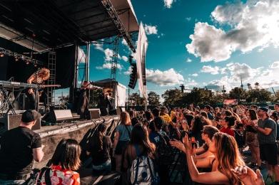 Muna performs at NXNE Port Lands in Toronto on June 24, 2017. (Photo: Nicole De Khors/Aesthetic Magazine)