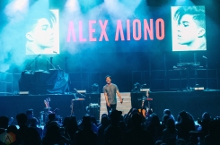 Alex Aiono performs at Vogue Theatre in Vancouver on July 6, 2017. (Photo: Timothy Nguyen/Aesthetic Magazine)