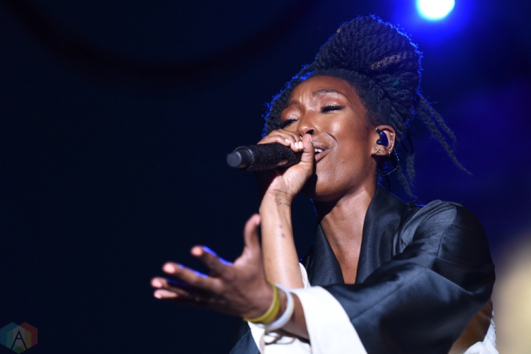 Brandy performs at Echo Beach in Toronto on July 30, 2017. (Photo: Jaime Espinoza/Aesthetic Magazine)
