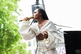 Dawn Richards performs at Pitchfork Festival in Chicago on July 14, 2017. (Photo: Katie Kuropas/Aesthetic Magazine)