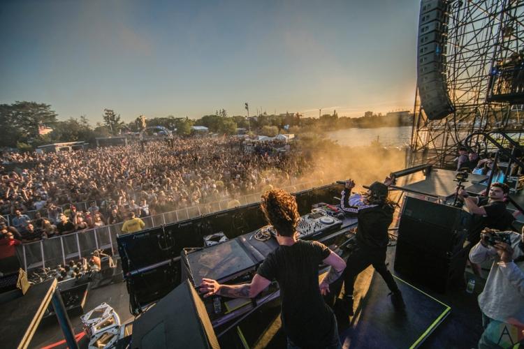 DVBBS performs at Dreams Festival 2017 in Toronto.(Photo: Nicole De Khors/Aesthetic Magazine)