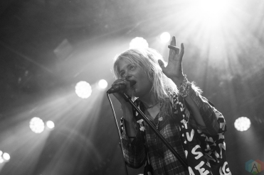 The Kills perform at Brooklyn Steel in Brooklyn, New York on July 21, 2017. (Photo: Saidy Lopez/Aesthetic Magazine)