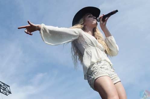 Delta Rae performs at Boots And Hearts on August 13, 2017. (Photo: Morgan Harris/Aesthetic Magazine)