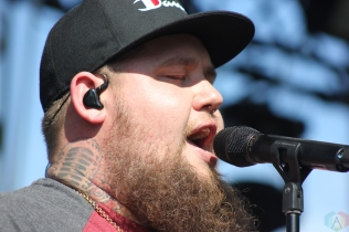 Rag'n'Bone Man performs at Wayhome Festival on July 30, 2017. (Photo: Curtis Sindrey/Aesthetic Magazine)