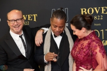 (L-R) Paul Haggis, Cuba Gooding Jr., and Audrey Raffy attend the Artists For Peace And Justice gala at the Art Gallery of Ontario in Toronto on September 10, 2017 during the 2017 Toronto International Film Festival. (Photo: Brendan Albert/Aesthetic Magazine)