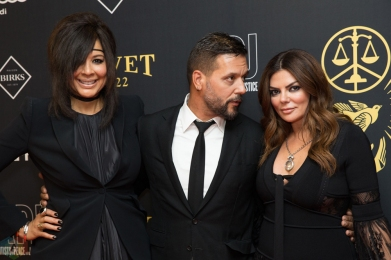 (L-R) Suzanne Boyd, George Stroumboulopoulos, and Natasha Koifman attend the Artists For Peace And Justice gala at the Art Gallery of Ontario in Toronto on September 10, 2017 during the 2017 Toronto International Film Festival. (Photo: Brendan Albert/Aesthetic Magazine)