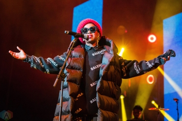 Lauryn Hill performs at Budweiser Stage in Toronto on September 10, 2017. (Photo: Katrina Lat/Aesthetic Magazine)