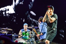 Red Hot Chili Peppers performs at Meadows Festival at Citi Field in New York City on September 17, 2017. (Photo: Alx Bear/Aesthetic Magazine)