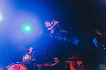 MANCHESTER, UK - SEPTEMBER 29: Roam performs at Manchester Academy in Manchester, UK on September 29, 2017. (Photo: Priti Shikotra/Aesthetic Magazine)