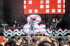 Tegan And Sara performs at Meadows Festival at Citi Field in New York City on September 15, 2017. (Photo: Alx Bear/Aesthetic Magazine)