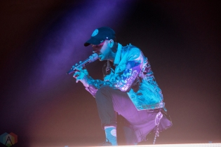 TORONTO, ON - OCTOBER 25: Blackbear performs at Air Canada Centre in Toronto on October 25, 2017. (Photo: Joanna Glezakos/Aesthetic Magazine)
