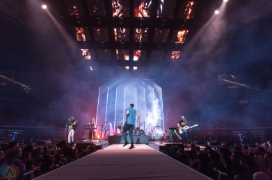 Imagine Dragons performs at Rogers Arena in Vancouver on October 8, 2017. (Photo: Isaac Wray/Aesthetic Magazine)