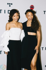NEW YORK, NY - OCTOBER 17: Chloe and Halle attend the TIDAL X: Brooklyn red carpet at Barclays Center in Brooklyn, New York on October 17, 2017. (Photo: Stephan Ordonez/Aesthetic Magazine)