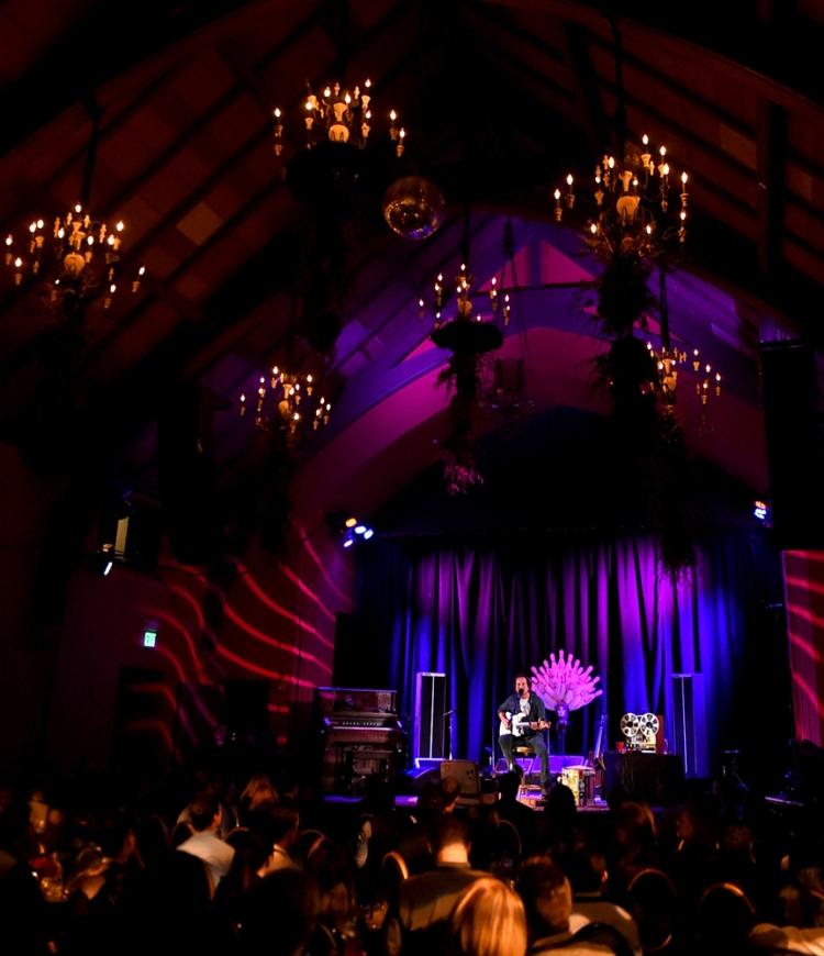 SAN FRANCISCO, CA - NOVEMBER 6: Eddie Vedder performs at The Chapel in San Francisco, California on November 6, 2017. (Photo: Kevin Winter/Getty)
