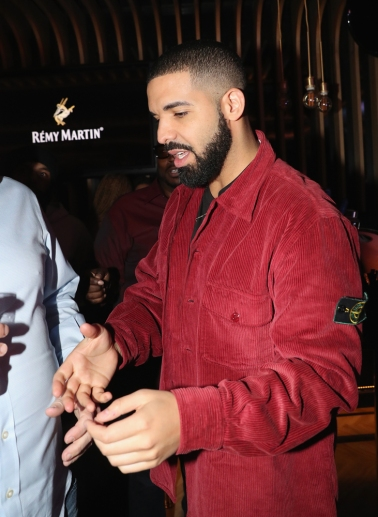 TORONTO, ON - JANUARY 9: Drake attends Dwyane Wade's birthday party at Pick 6ix in Toronto on January 9, 2018. (Photo: Johnny Nunez/Getty)