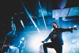 SACRAMENTO, CA - JANUARY 30: Silverstein performs at Ace of Spades in Sacramento, California on January 30, 2018. (Photo: Kyle Simmons/Aesthetic Magazine)