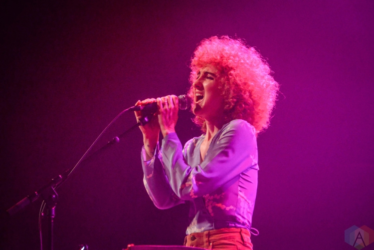 Brooklyn Ny January 23 Tennis Performs At Brooklyn Steel In Brooklyn New York On January 23 2018 Photo Alex Bear Aesthetic Magazine Aesthetic Magazine Album Reviews Concert Photography Interviews Contests