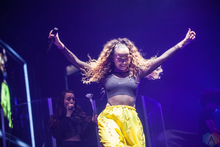 MANCHESTER, UK - FEBRUARY 03: Ella Eyre performs at Manchester Arena in Manchester, UK on February 03, 2018. (Photo: Priti Shikotra/Aesthetic Magazine)