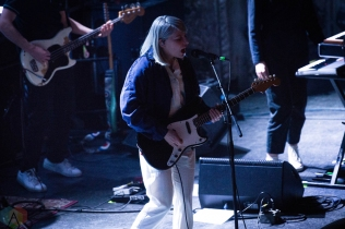 CHICAGO, IL - MARCH 23: Alvvays performs at Metro in Chicago on March 23, 2018. (Photo: Katie Kuropas/Aesthetic Magazine)